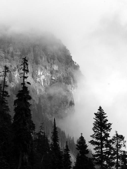Cliff over Snoqualmie Pass