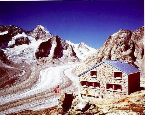 Oberaletsch hut
