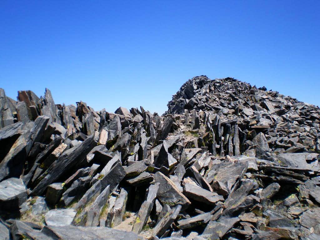 Jagged rock on the Kuna summit