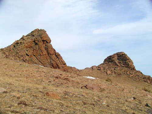 Rocky outcrops on Battle\'s southeast slope