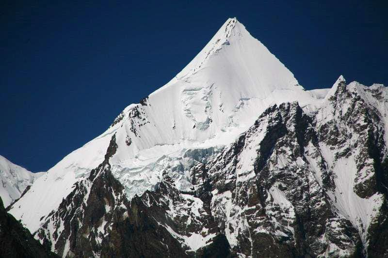 Angel Peak (6858 M), Karakoram, Pakistan