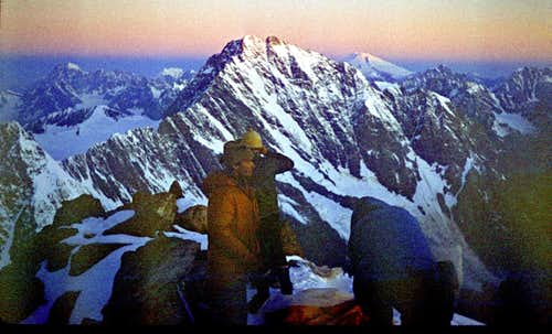 Dawn on Tikhtengen (4610 m)