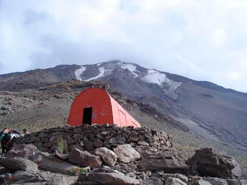 First north hut at 4000 m.