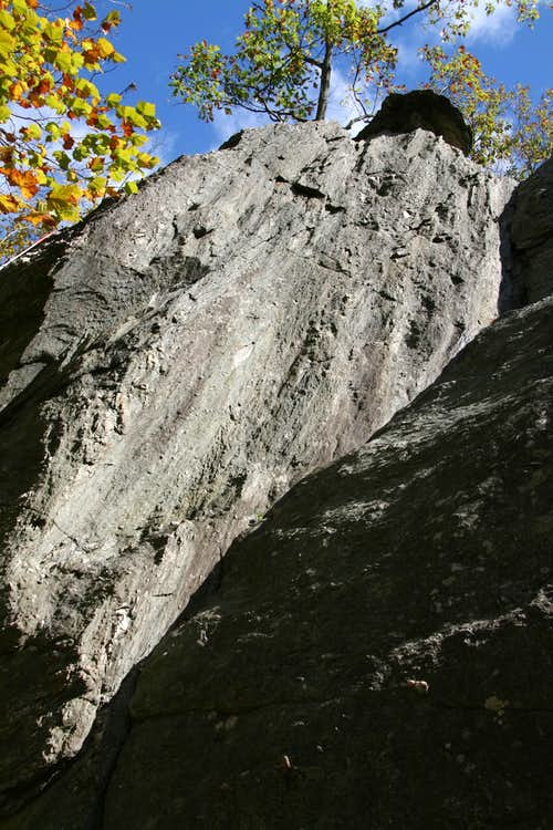 Carderock-- Hades Heights-- Golden Staircase (5.7+)