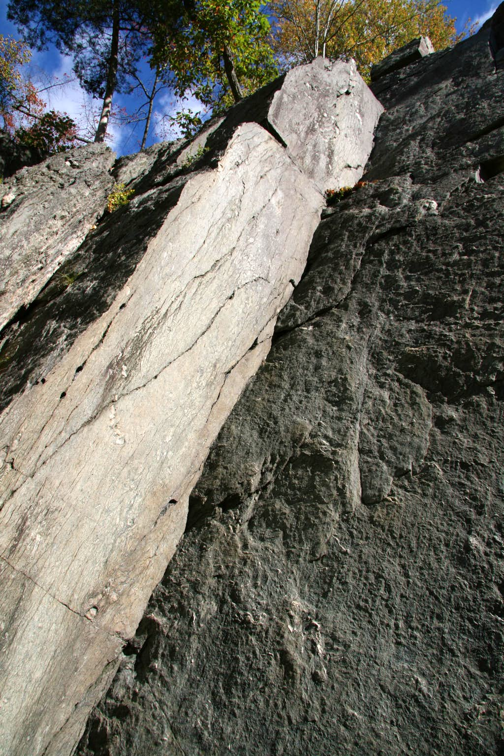 Carderock-- Hades Heights-- Butterfly (5.9) and Neighbors