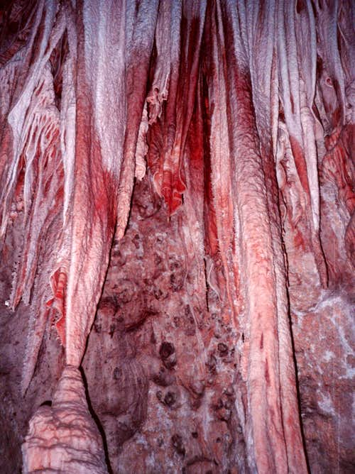 <font color=maroon>Awesome Cave Formations!</font>