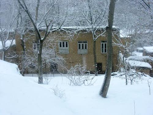 Akhlamad village in winter