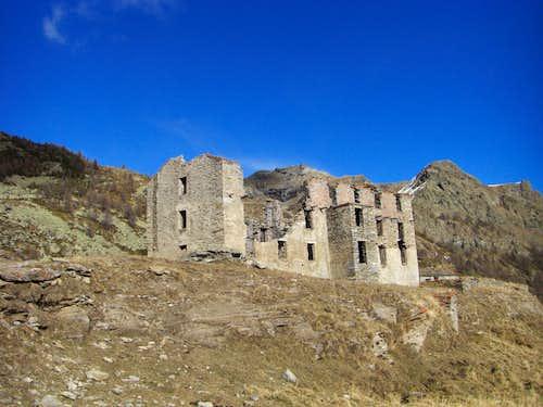 Dondena ruins