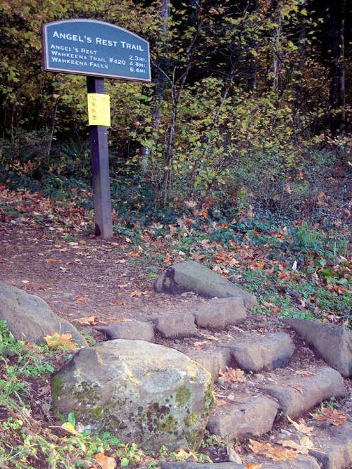 Angel\'s Rest Trailhead