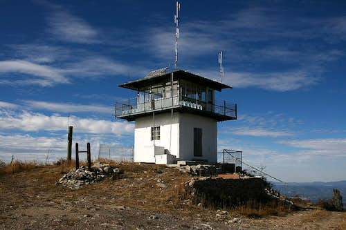 Eagle Peak lookout tower