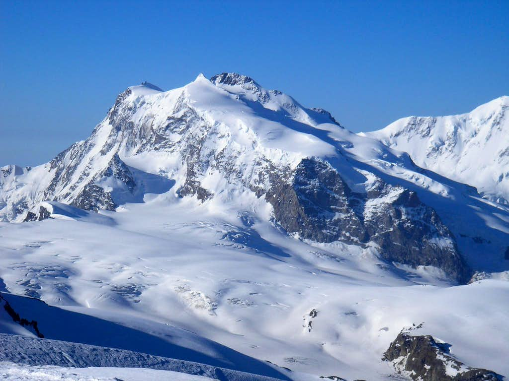 Nordend 4609m and Dufourspitze 4634m