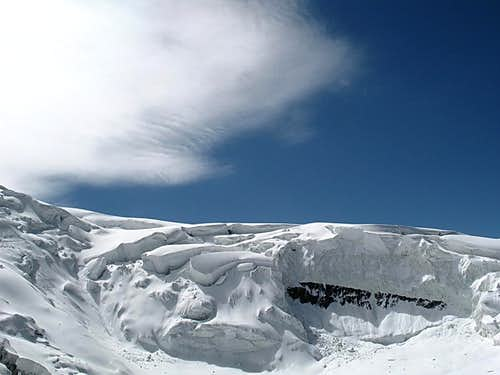 Shark-looking cloud over the central icefall