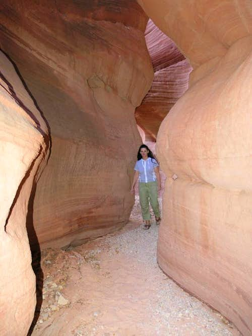Red Canyon - Peek-a-Boo