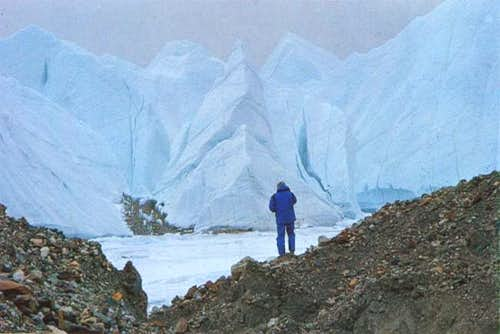 Kurt Diemberger overlooking...