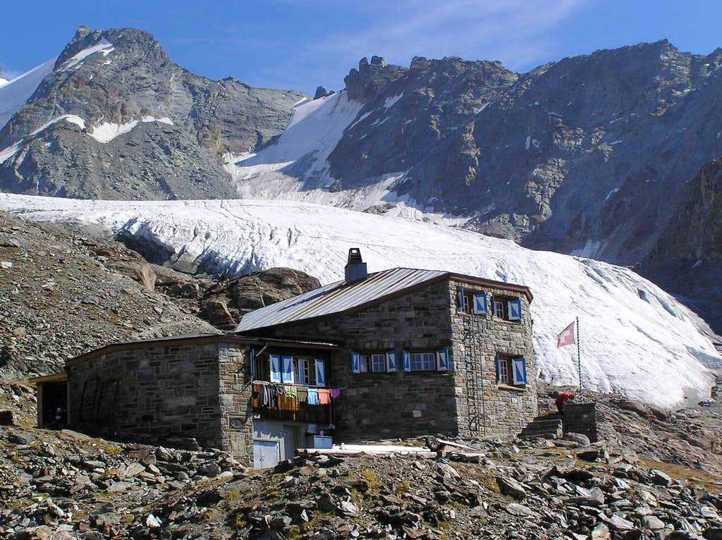 Dom hut with Festi glacier