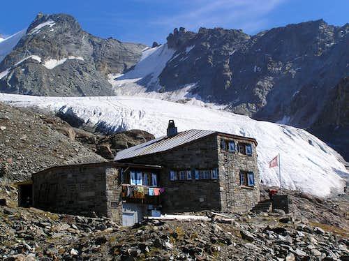 Dom hut with Festi glacier