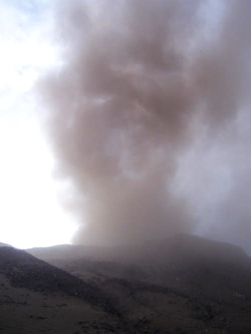 Ubinas in eruption
