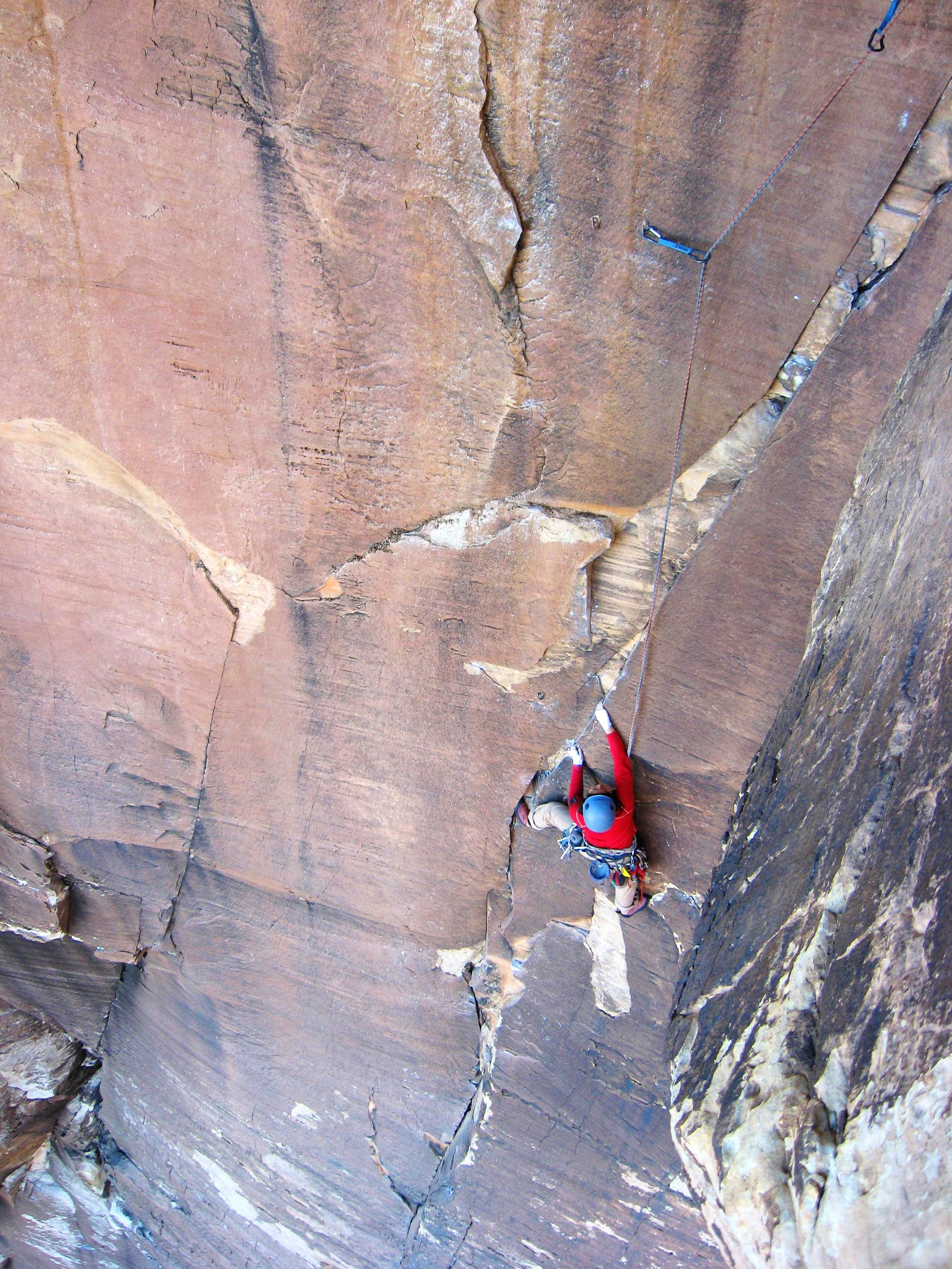 Overhanging Hangover, 5.10a, 2 Pitches
