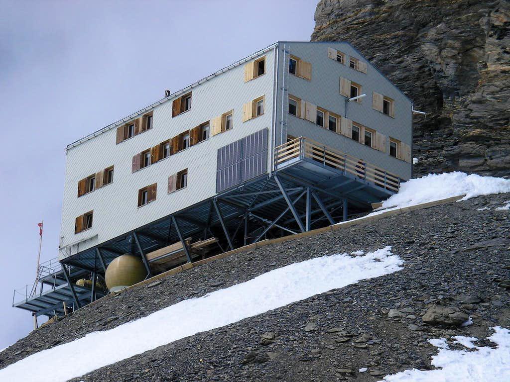 Mönchsjoch hut 3650m (Mönchsjochhütte)