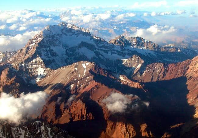 The 19:30 flight from Mendoza...