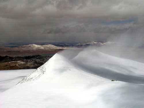 Snow drift of twin peaks
