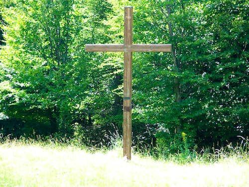The cross on Istállós-kõ (959m)
