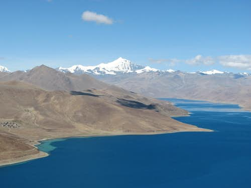 Yamdrok Yumtso lake - Central Tibet