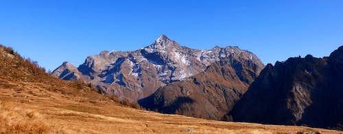 Il versante sud ovest della Becca di Luseney
