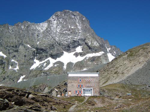 Gastaldi hut and Bessanese