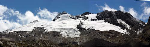 Monte Doravidi and Glacier of Chateau Blanc