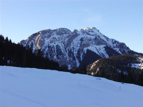 Kominiarski Wierch seen from trail to Ciemniak
