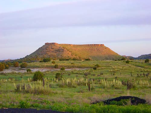Hill near Black Mesa trailhead