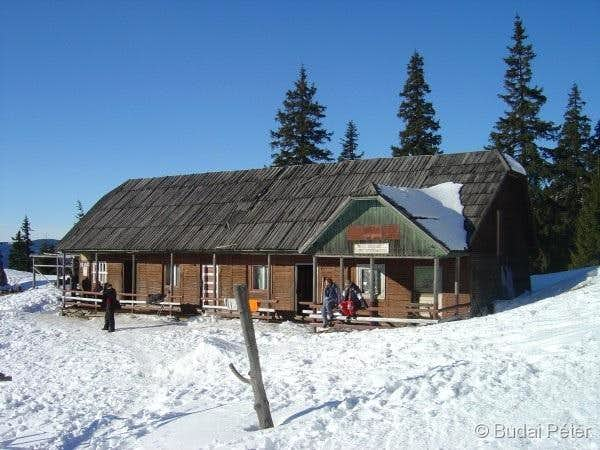 The former Egyeskő hut