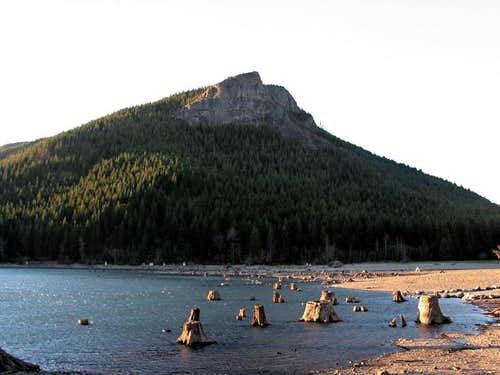 Rattlesnake Lake and Ledge