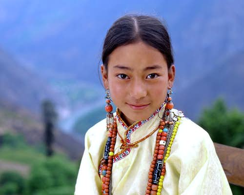 A girl of rGyalrong Tibetan-4