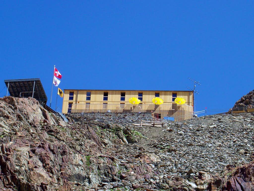 Finsteraarhorn Hut