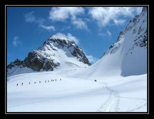 Approaching ski depot