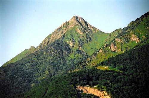 Peak of Viscos seen from Cauterets
