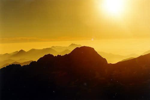 Sunrise above Estaragne