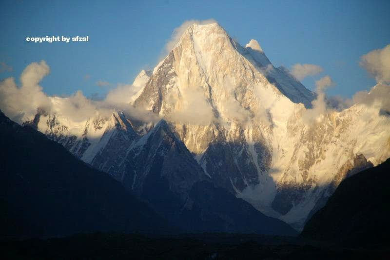 Gasherbrum-II (8035m) & Gasherbrum-IV (7925-M), Karakoram, Pakistan