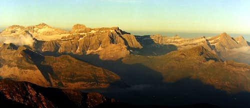 Sunrise on Mt Perdu / Gavarnie