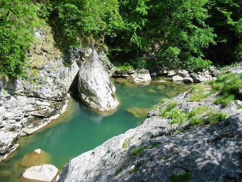 Rakitnica river. May, 2003