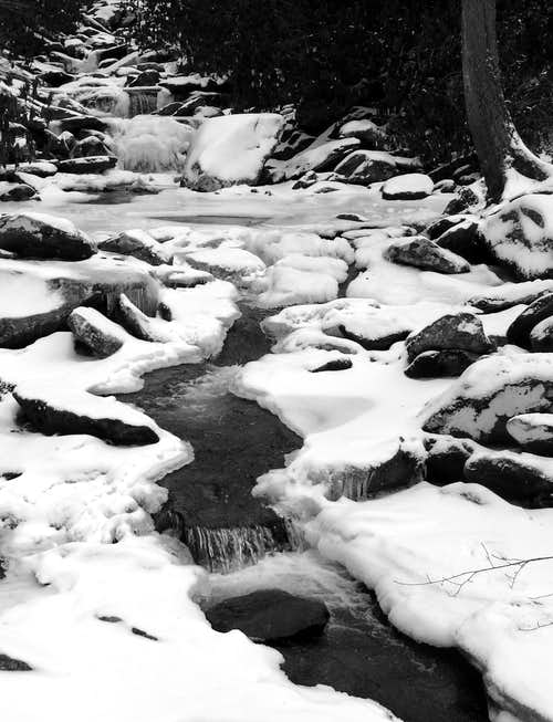 Stream on the hike to the Chimney Tops