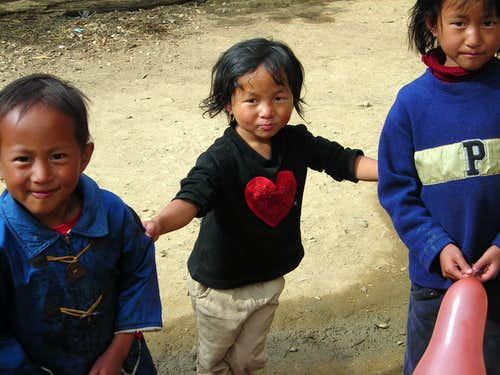 Tanghkul children playing in Ukhrul