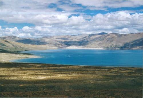Lake near foot of Xixabangma.
