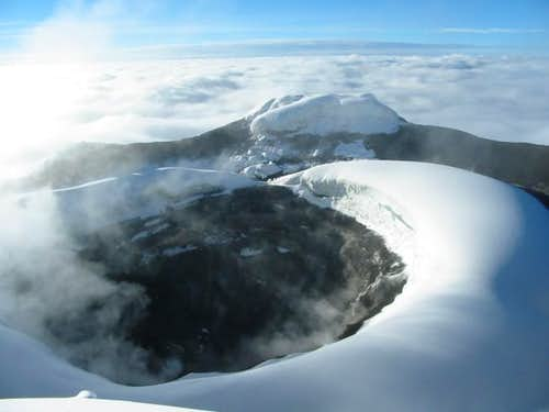 Cotopaxi Crater smells of...
