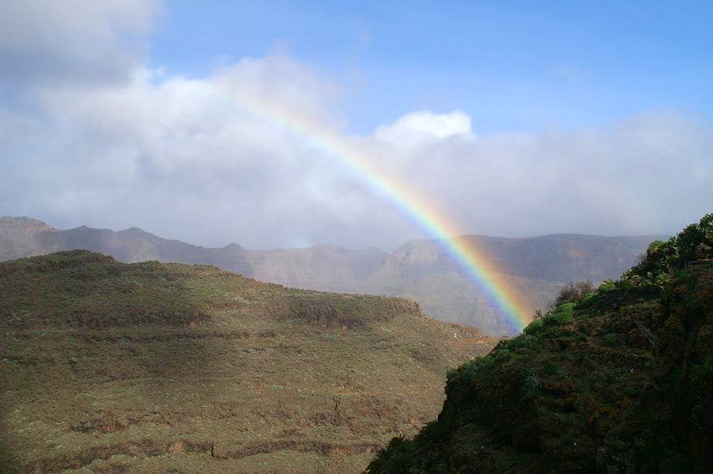 Rainbow above Cuesta del Barro and La Merica