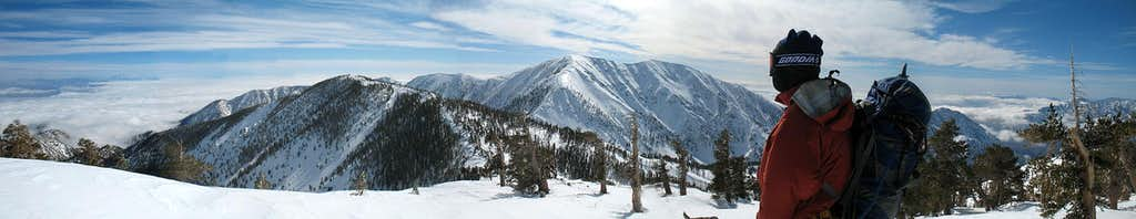 Top fo Pine Mountain - Pano