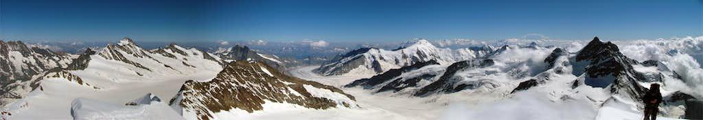 Mönch summit panorama