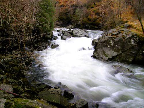 Falls of Falloch (Lower Falls)